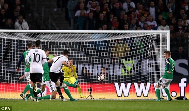 VIDEO, Đức 2-0 Bắc Ireland: Đòn phủ đầu mạnh mẽ! - Ảnh 1.
