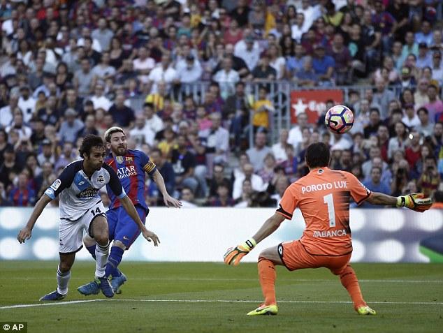VIDEO, Barcelona 4-0 Deportivo: Messi ghi dấu ấn ngày trở lại! - Ảnh 2.