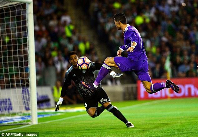 VIDEO, Real Betis 1-6 Real Madrid: Giải tỏa sức ép! - Ảnh 1.