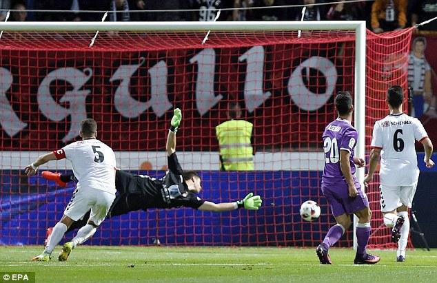 VIDEO, Cultural Loenesa 1-7 Real Madrid: Không BBC vẫn đại thắng! - Ảnh 2.