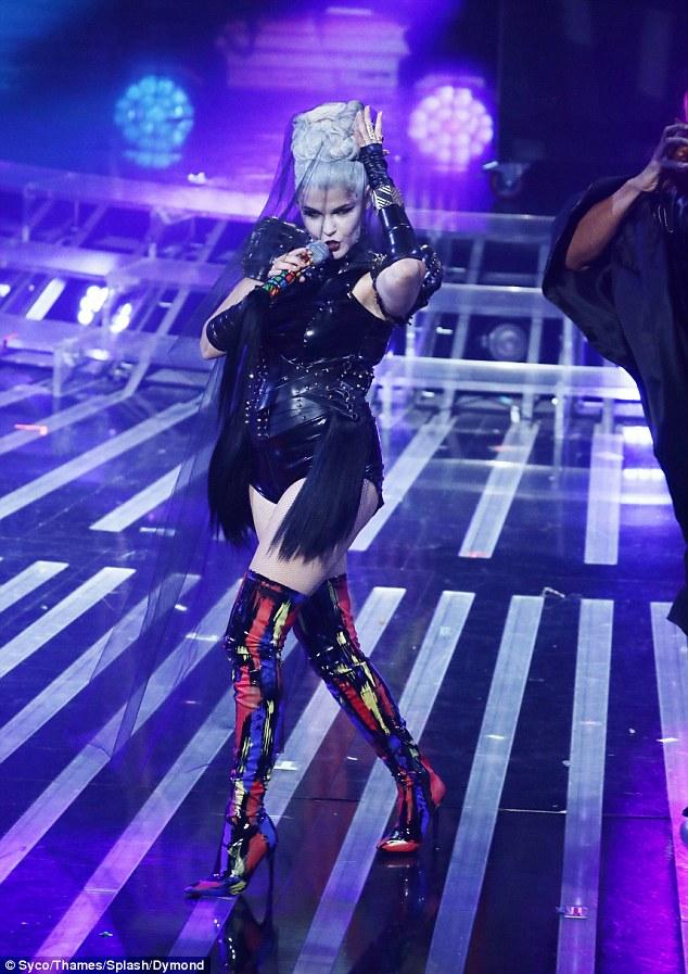 Tử thần ghé thăm The X-Factor, giám khảo sợ hãi bật dậy khỏi ghế nóng - Ảnh 15.