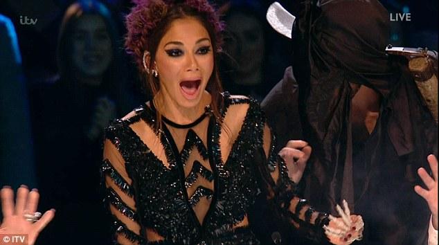 Tử thần ghé thăm The X-Factor, giám khảo sợ hãi bật dậy khỏi ghế nóng - Ảnh 5.