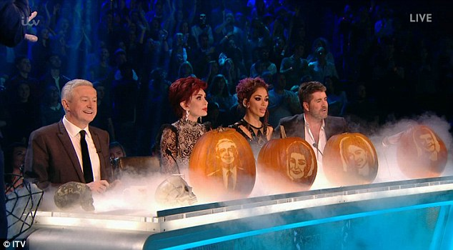 Tử thần ghé thăm The X-Factor, giám khảo sợ hãi bật dậy khỏi ghế nóng - Ảnh 1.