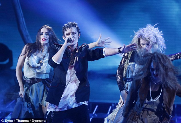 Tử thần ghé thăm The X-Factor, giám khảo sợ hãi bật dậy khỏi ghế nóng - Ảnh 12.