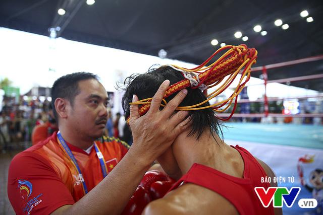 ABG 2016: Độc cô cầu bại Nguyễn Trần Duy Nhất ngạo nghễ trên sàn đấu Muay Thái - Ảnh 4.
