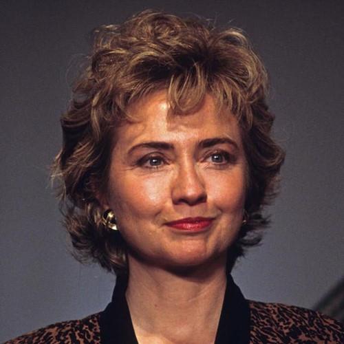 Thời trang tóc của bà Hillary Clinton thay đổi qua năm tháng - Ảnh 4.