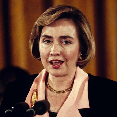 Thời trang tóc của bà Hillary Clinton thay đổi qua năm tháng - Ảnh 5.
