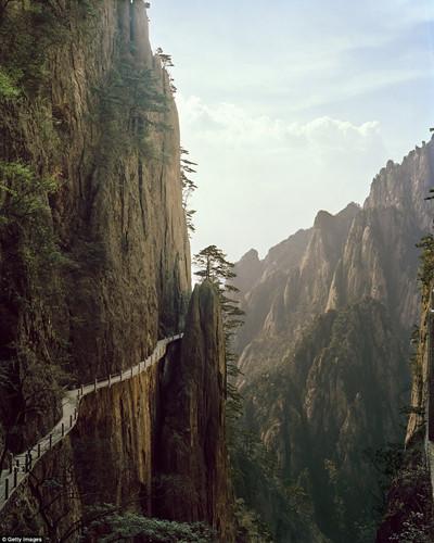 Ngất ngây với những khung cảnh đẹp như tranh vẽ ở Trung Quốc - Ảnh 11.