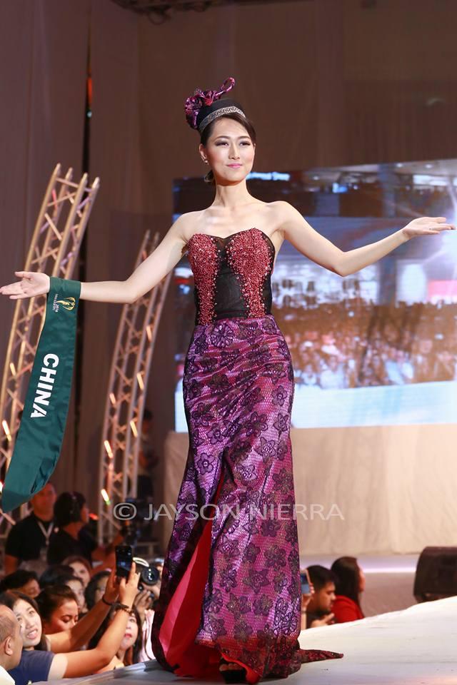 Những bộ cánh thời trang kém đẹp tại Hoa hậu Trái đất 2016 - Ảnh 9.