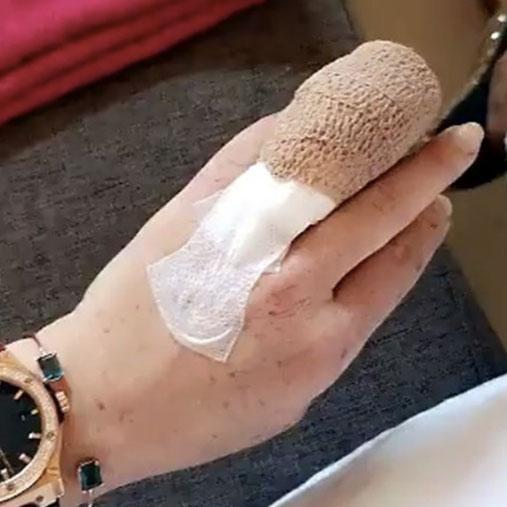 Lindsay Lohan đau đớn vì tai nạn kinh hoàng - Ảnh 1.