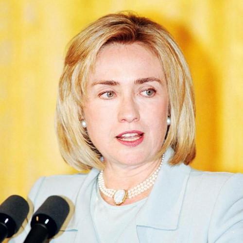 Thời trang tóc của bà Hillary Clinton thay đổi qua năm tháng - Ảnh 6.