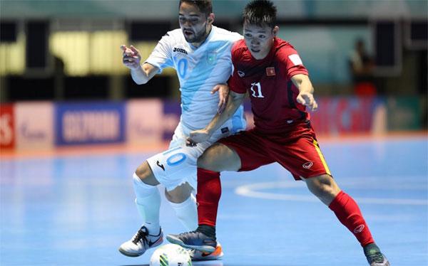 Futsal Việt Nam 4-2 Futsal Guatemala: Thắng lợi ấn tượng và bất ngờ! - Ảnh 1.