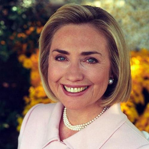 Thời trang tóc của bà Hillary Clinton thay đổi qua năm tháng - Ảnh 7.