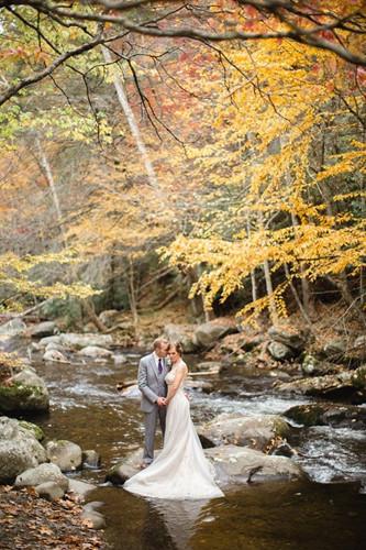 Những bức ảnh cưới tuyệt đẹp mang màu sắc của mùa thu - Ảnh 6.