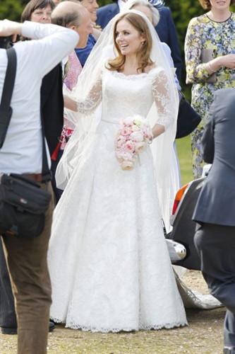 Đám cưới lộng lẫy của những người nổi tiếng - Ảnh 9.