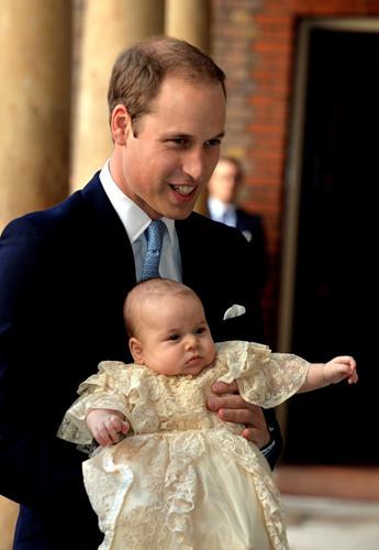Những khoảnh khắc tuyệt vời của cha con hoàng tử William - Ảnh 12.