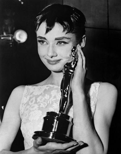 Những chuyện chưa kể về nữ minh tinh Audrey Hepburn - Ảnh 2.