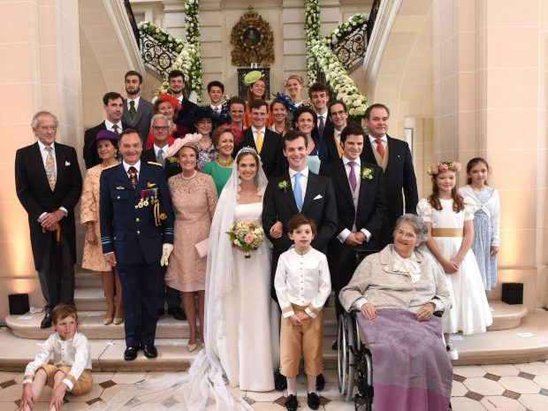 Đám cưới lộng lẫy của những người nổi tiếng - Ảnh 2.