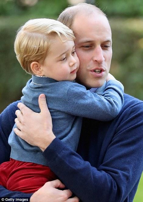 Ngắm loạt ảnh yêu không thể tả của hoàng tử bé nước Anh tại Canada - Ảnh 12.