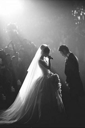 Đám cưới lộng lẫy của những người nổi tiếng - Ảnh 6.