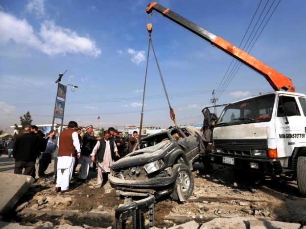 Afghanistan: Đánh bom xe ô tô, nhiều người bị thương - Ảnh 1.