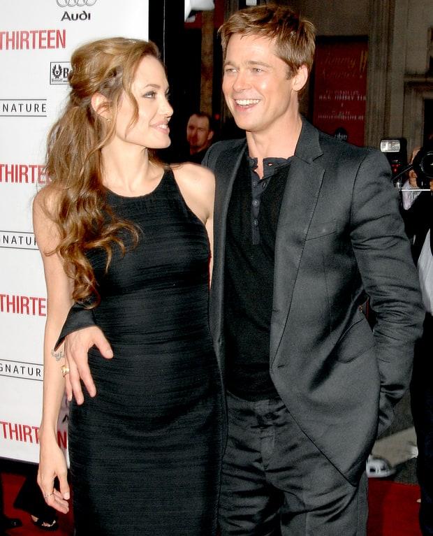 Những khoảnh khắc tưởng như không thể rời xa của Angelina Jolie - Brad Pitt - Ảnh 3.