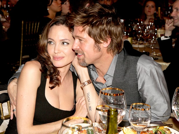 Những khoảnh khắc tưởng như không thể rời xa của Angelina Jolie - Brad Pitt - Ảnh 5.