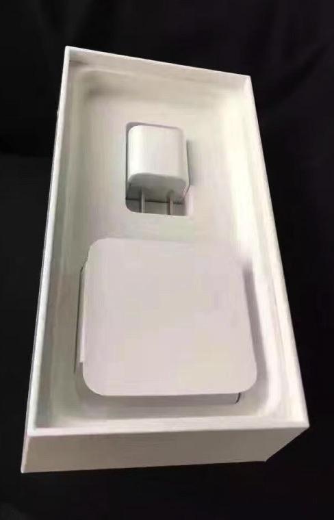 Đập hộp sớm iPhone 7 Jet Black và iPhone 7 Plus Black - Ảnh 6.