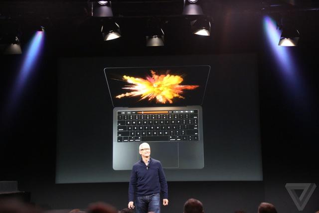 MacBook Pro 2016 ra mắt: Siêu mỏng, siêu nhẹ, hỗ trợ Touch ID, Touch Bar - Ảnh 1.