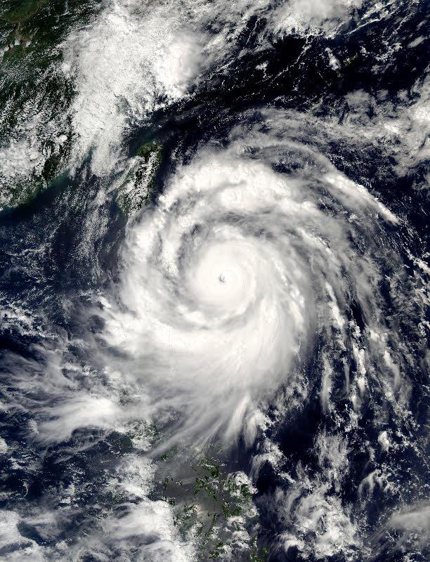 Trung Quốc nâng cao cảnh báo với siêu bão Meranti - Ảnh 1.