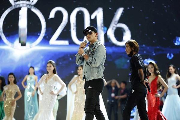 Bi Rain mang mưa tới sân khấu CK Hoa hậu Việt Nam 2016 - Ảnh 1.