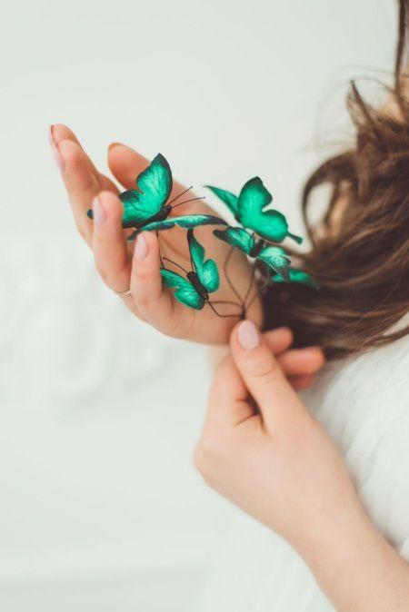 Mê mẩn loại bờm tóc lên ý tưởng từ các loài bướm rực rỡ - Ảnh 2.