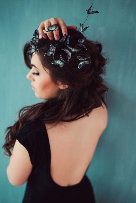 Mê mẩn loại bờm tóc lên ý tưởng từ các loài bướm rực rỡ - Ảnh 1.