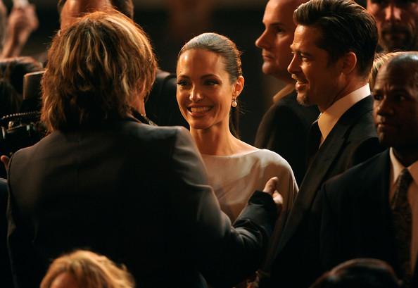 Cuộc hôn nhân của Angelina Jolie – Brad Pitt chỉ là giả? - Ảnh 1.