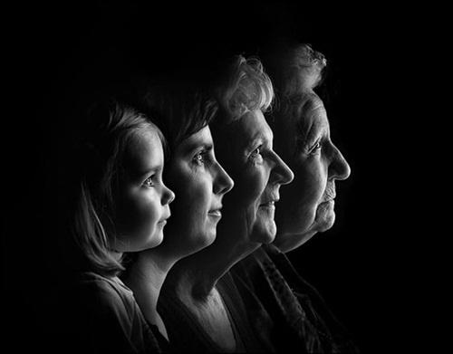 Gia đình nhiều thế hệ được thu bé lại vừa bằng một bức ảnh - Ảnh 6.