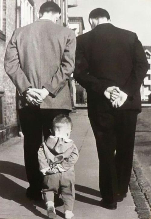 Gia đình nhiều thế hệ được thu bé lại vừa bằng một bức ảnh - Ảnh 5.