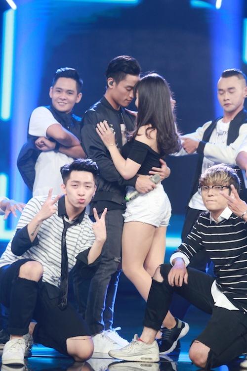Khoảnh khắc quậy của Thu Minh và thí sinh ở CK Vietnam Idol - Ảnh 12.