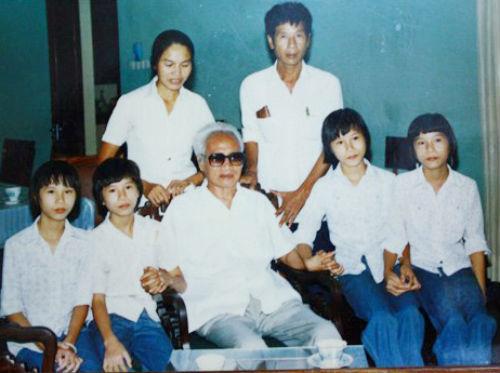 Chuyện về ca sinh tư được cố Thủ tướng Phạm Văn Đồng đỡ đầu - Ảnh 2.