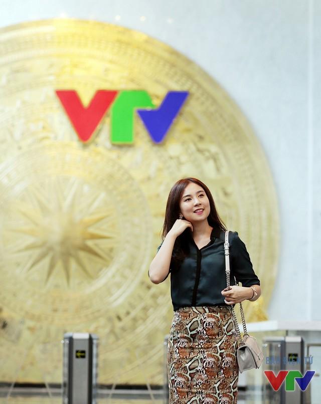 Những MC, BTV trẻ đang gây sốt trên sóng VTV - Ảnh 1.