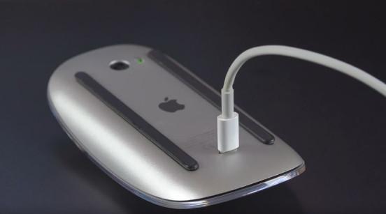 """Apple lại bị """"chọc ghẹo"""" trên Twitter về việc khai tử jack cắm tai nghe trên iPhone 7 - Ảnh 1."""
