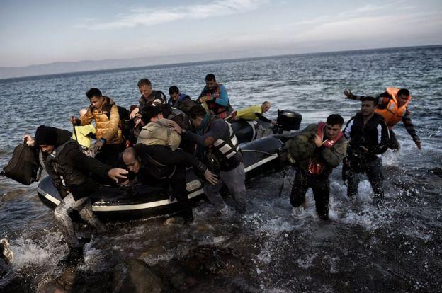 Loạt ảnh về người di cư tại Lesbos giành giải Nhiếp ảnh báo chí - Ảnh 2.