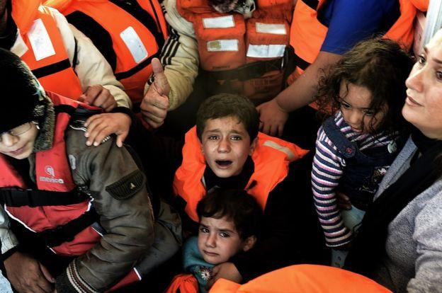 Loạt ảnh về người di cư tại Lesbos giành giải Nhiếp ảnh báo chí - Ảnh 4.