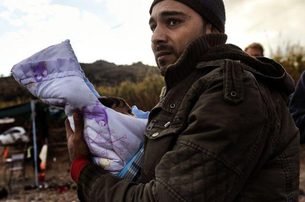 Loạt ảnh về người di cư tại Lesbos giành giải Nhiếp ảnh báo chí - Ảnh 6.
