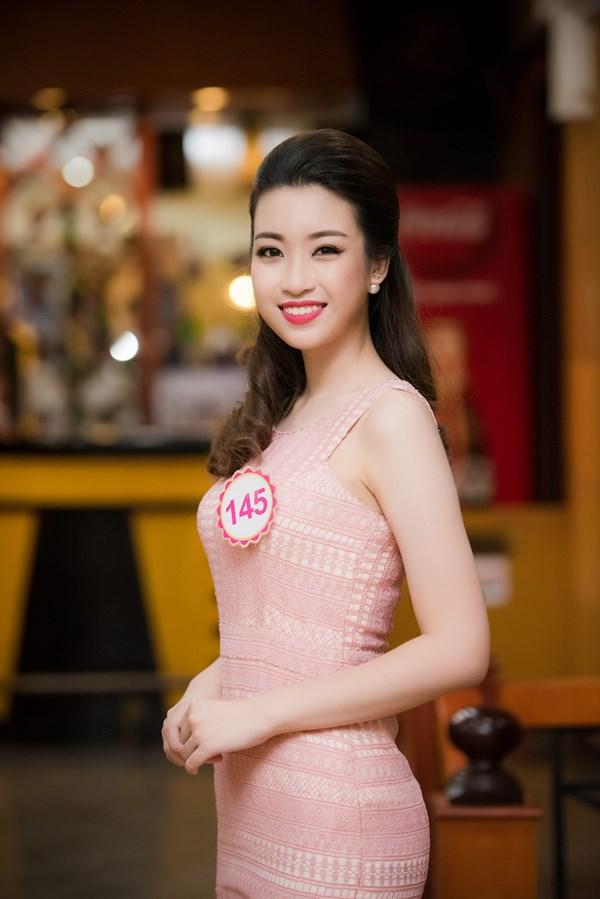 """Đỗ Mỹ Linh đăng quang Hoa hậu Việt Nam 2016: Một bất ngờ không hề """"nhẹ""""! - Ảnh 11."""