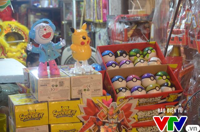 Ăn theo cơn sốt Pokemon, Pikachu ngập phố Trung thu - Ảnh 7.