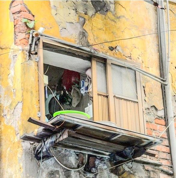 Cư dân biệt thự cổ 65 Nguyễn Thái Học nơm nớp lo sợ sau đám cháy - Ảnh 5.