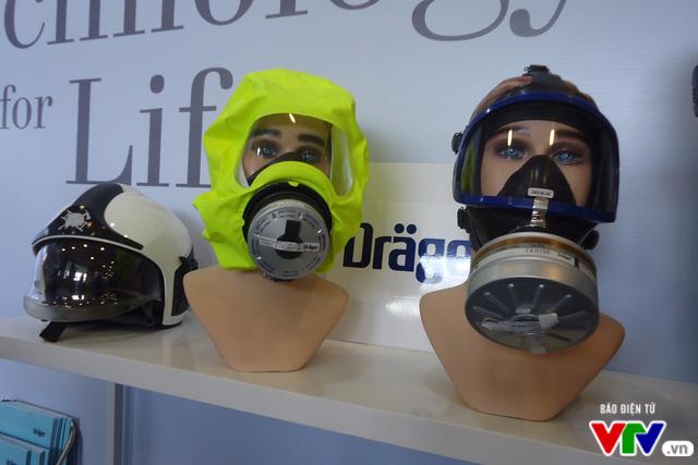 Tìm hiểu kỹ năng chữa cháy, thoát nạn tại Triển lãm quốc tế về PCCC 2016 - Ảnh 3.