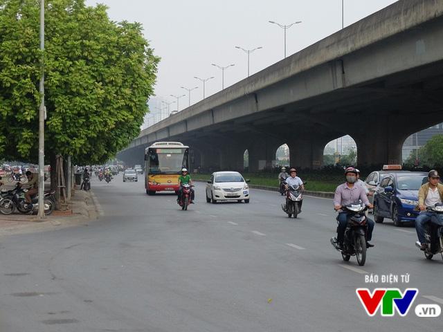 Hà Nội mở 2 tuyến xe bus trợ giá, wifi miễn phí về Xuân Mai - Ảnh 1.