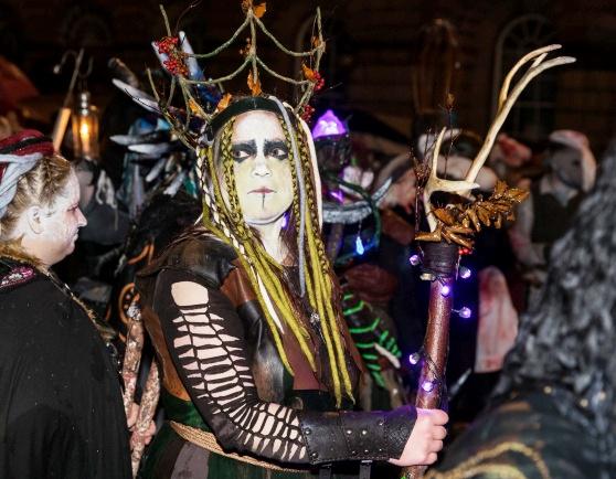Độc đáo lễ hội lửa tại Scotland - Ảnh 9.