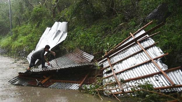 Bão Haima gây thiệt hại lớn tại Philippines - Ảnh 1.